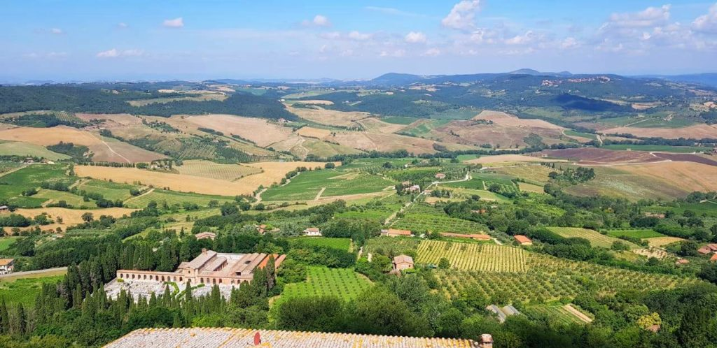 Rolling hills of Tuscany - An Italian Affair to remember