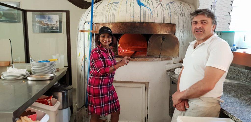 Pizza baking in Capri!